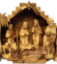 large-nativity-carved-faces6